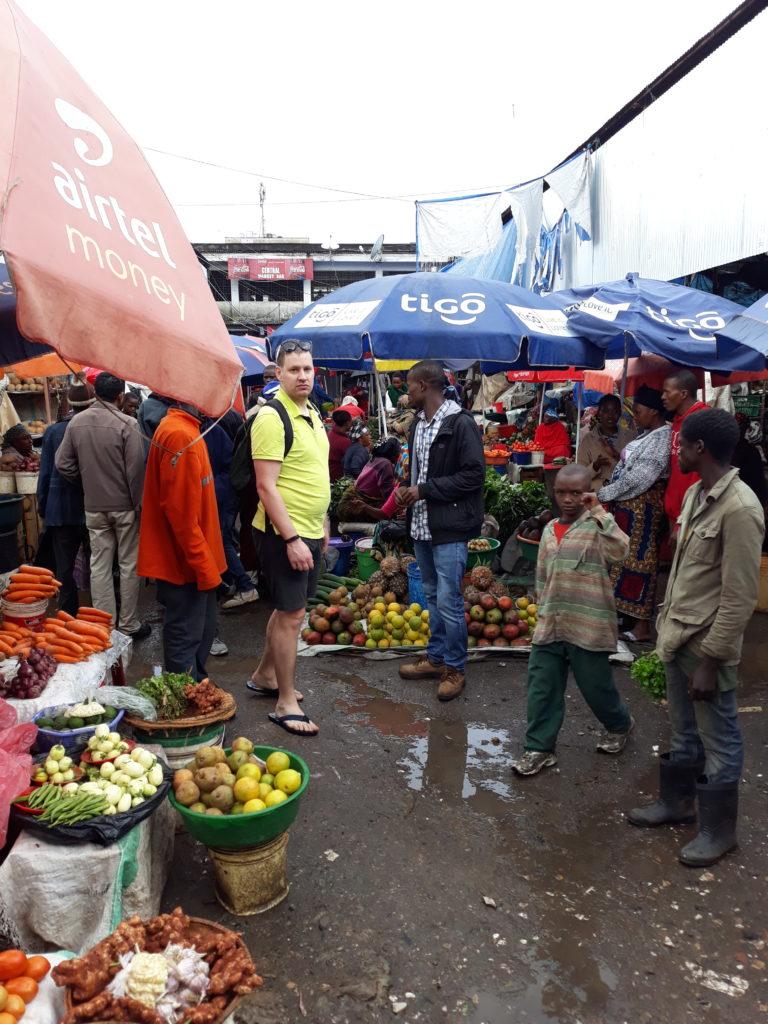 Arusha a začínáme Safari
